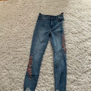 NWT Abercrombie Embroidered jeans.